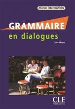 کتاب فرانسه گرامر این دیالوگ قدیمی Grammaire en dialogues - niveau intermediaire + CD سیاه و سفید
